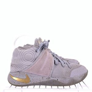 Nike Kyrie Wolf Grey Boys Basketball Shoes Size 5y